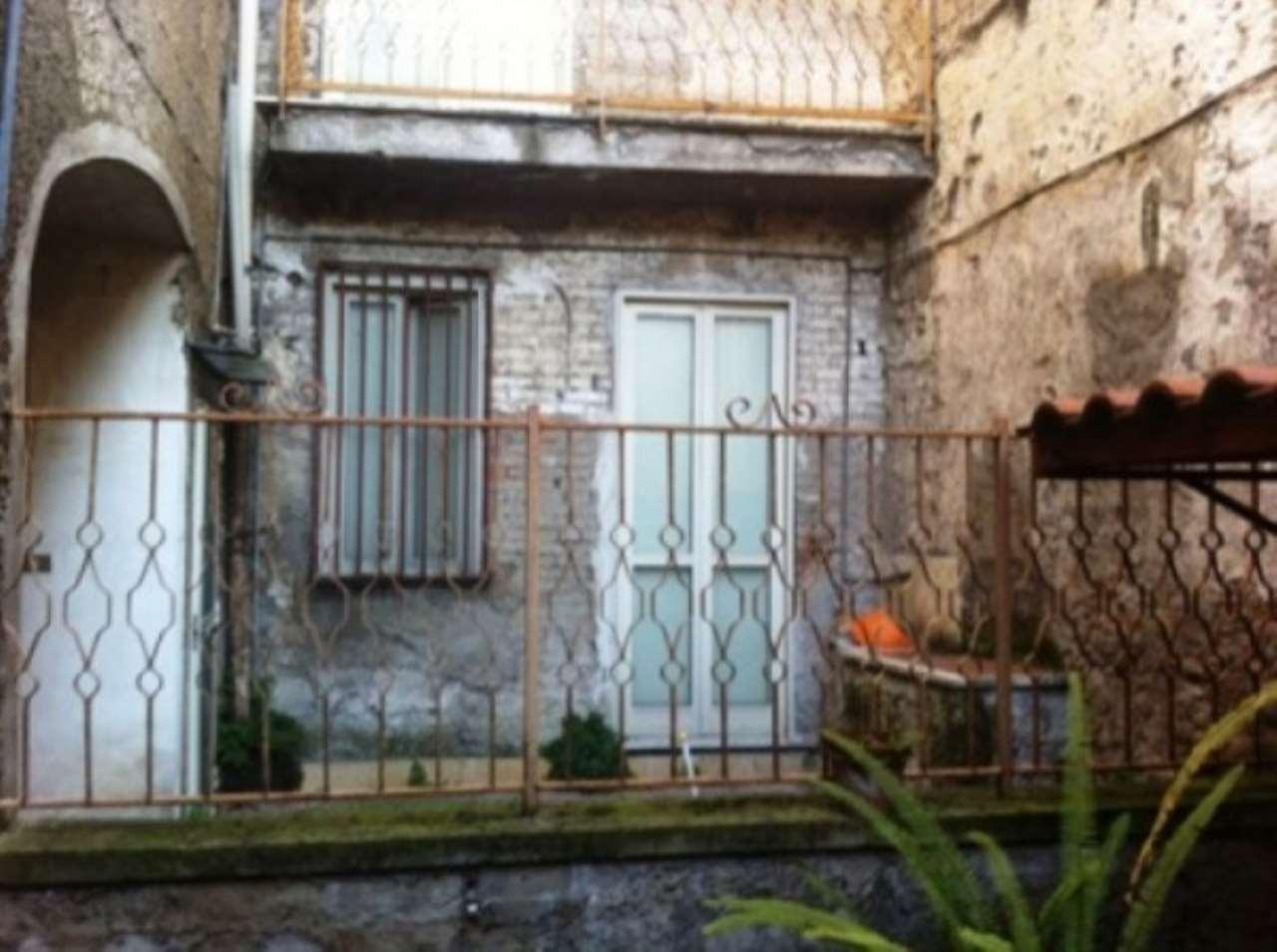 Palazzo / Stabile in vendita a Nola, 6 locali, prezzo € 700.000   CambioCasa.it