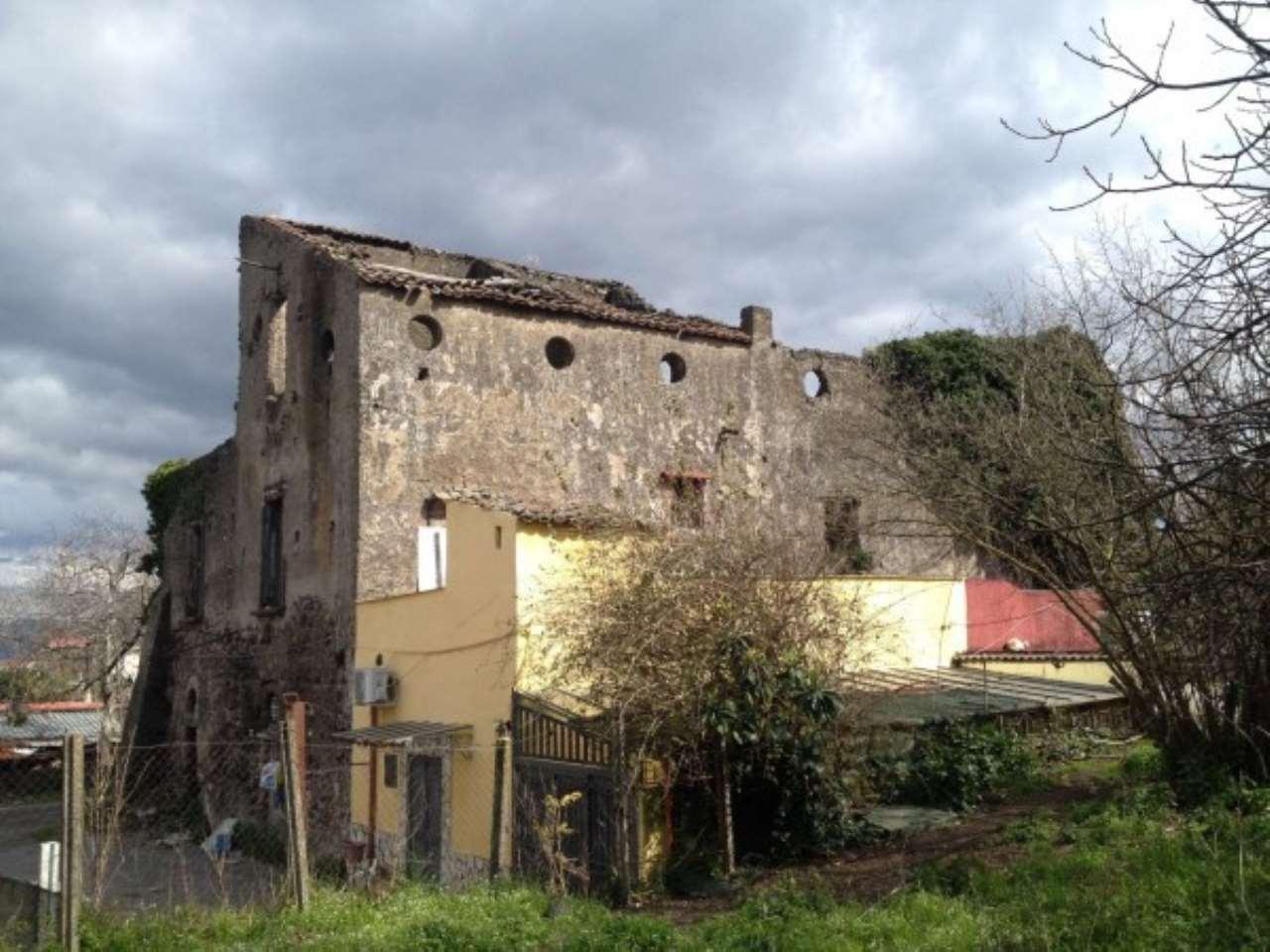 Palazzo / Stabile in vendita a Somma Vesuviana, 9999 locali, prezzo € 320.000 | CambioCasa.it