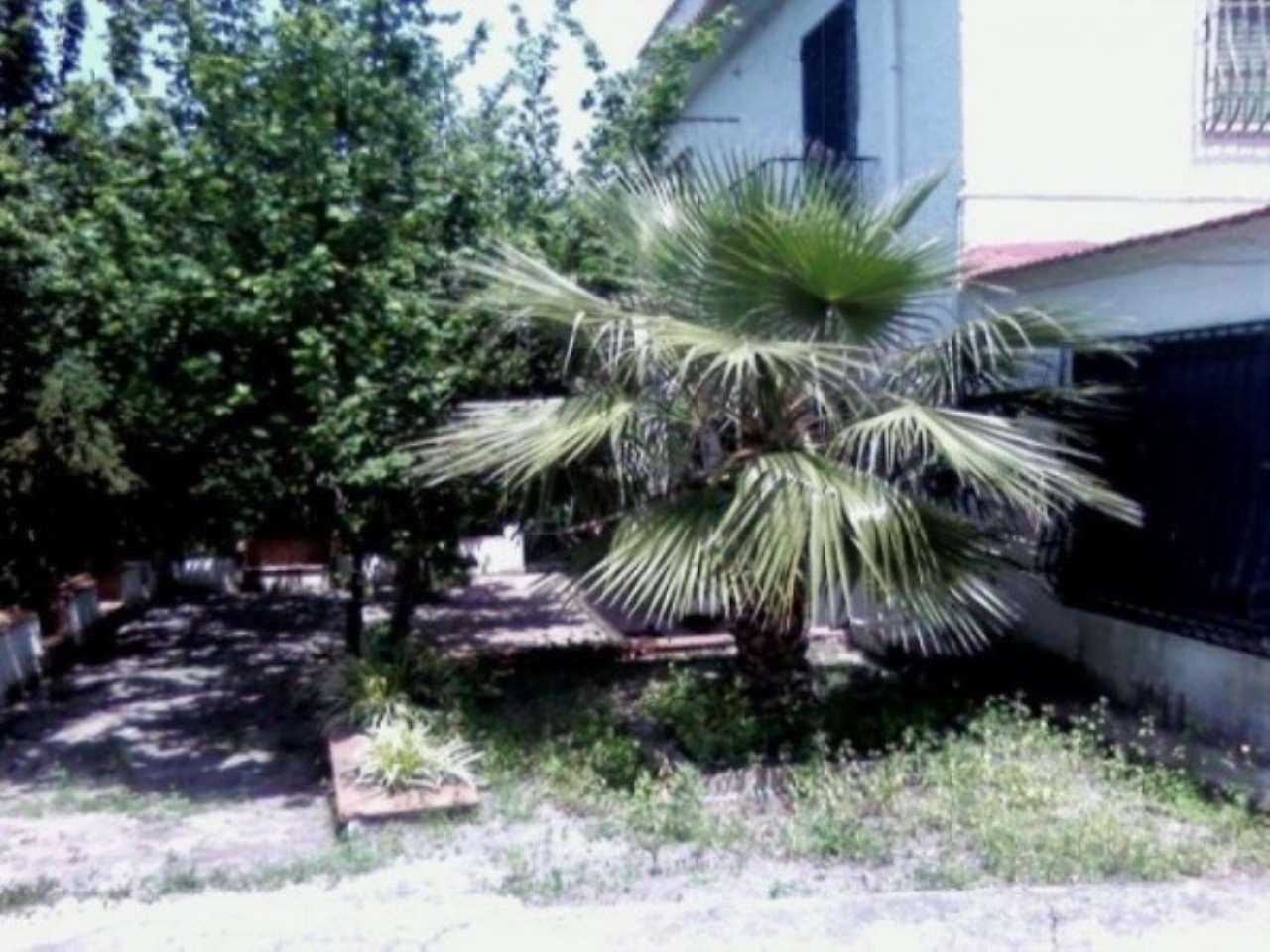 Villa in vendita a Nola, 6 locali, Trattative riservate | CambioCasa.it