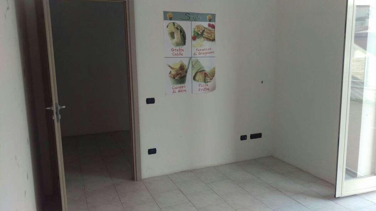 Capannone in affitto a Cercola, 10 locali, prezzo € 1.200 | Cambio Casa.it