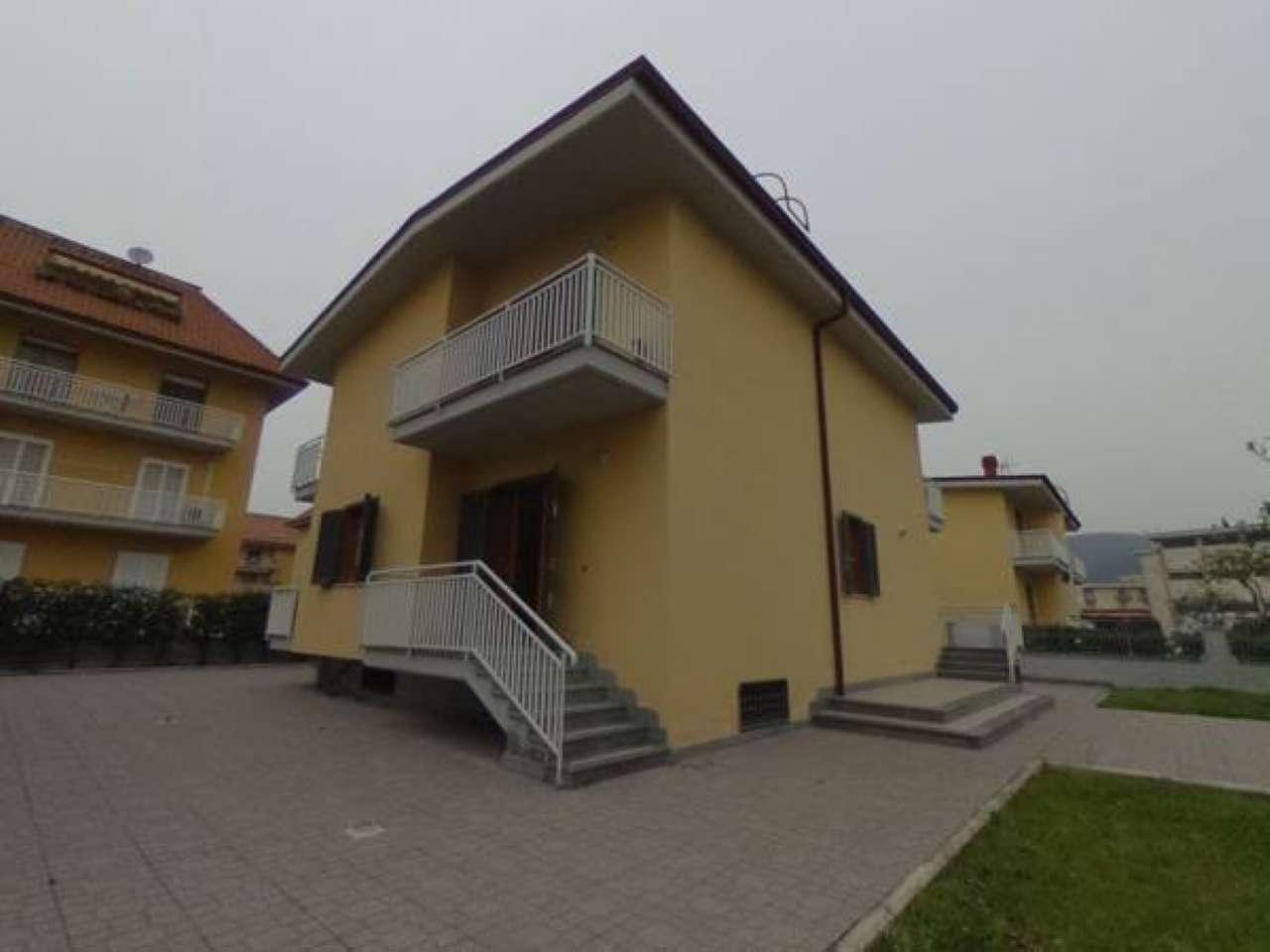 Villa in vendita a Nola, 10 locali, prezzo € 650.000 | CambioCasa.it