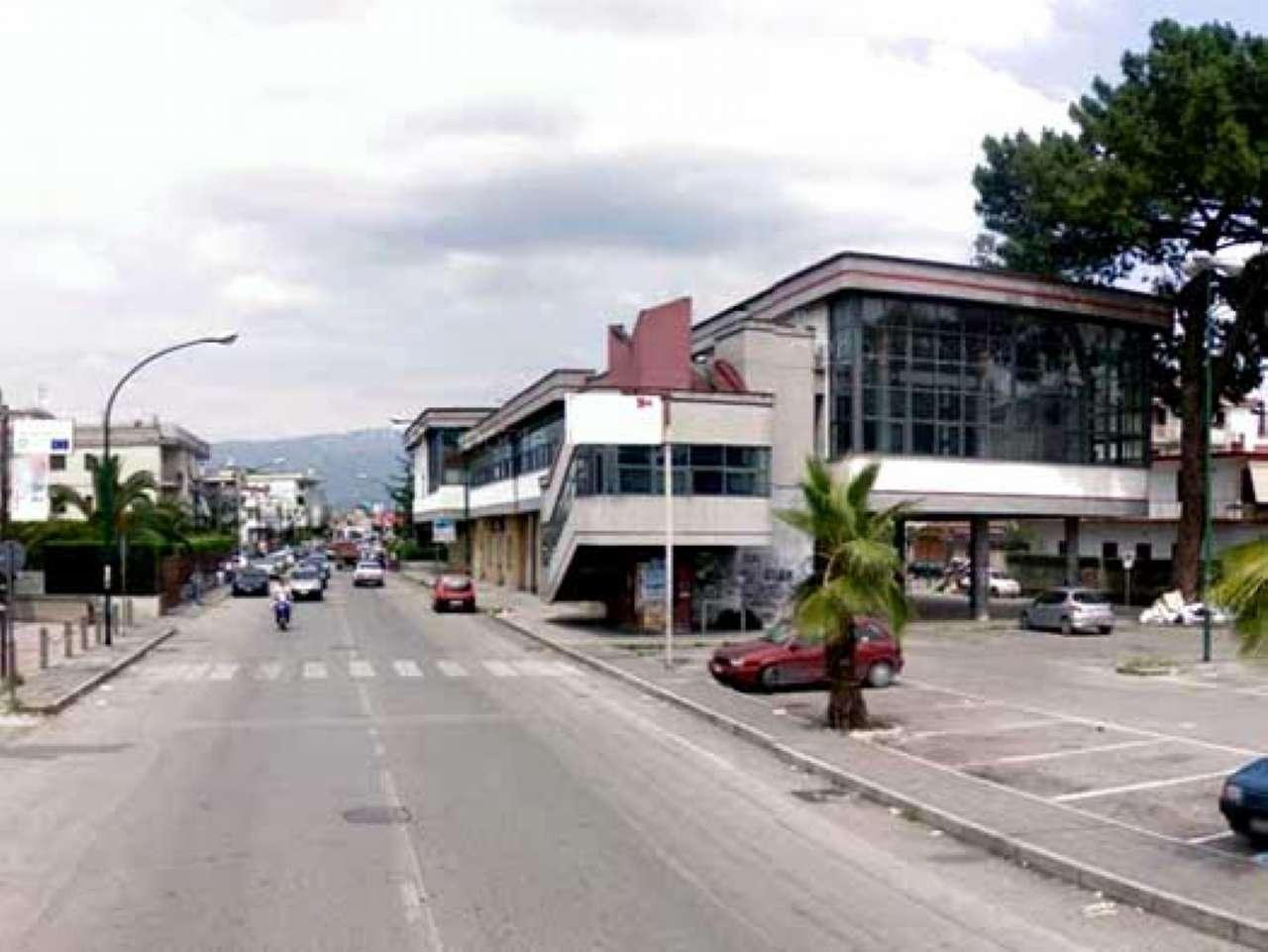 Negozio / Locale in affitto a Saviano, 3 locali, Trattative riservate | CambioCasa.it