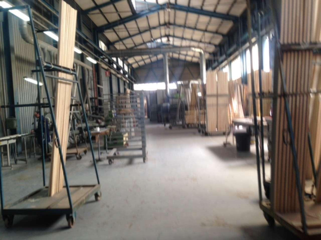 Capannone in vendita a Arzano, 2 locali, Trattative riservate | Cambio Casa.it