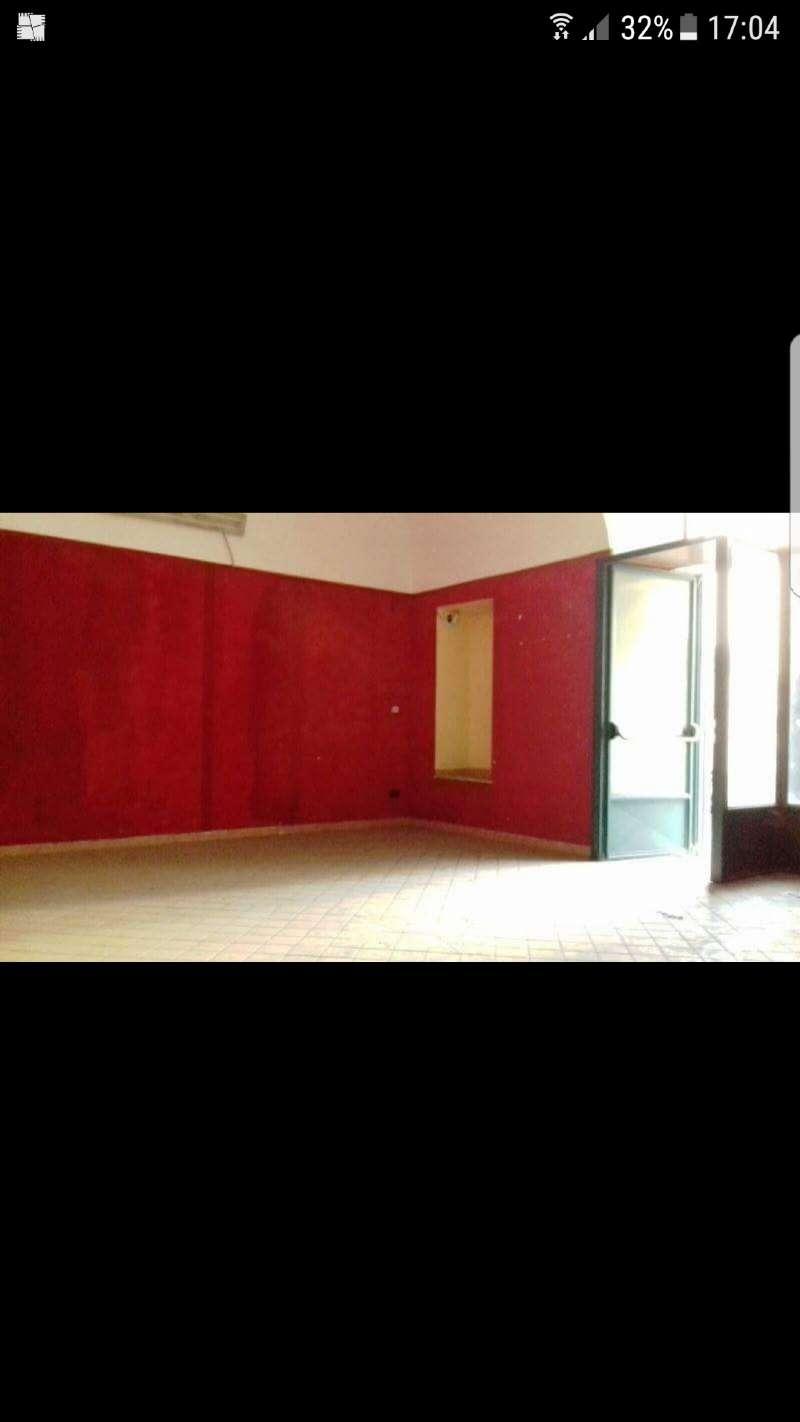 Negozio / Locale in affitto a Nola, 1 locali, prezzo € 230 | CambioCasa.it