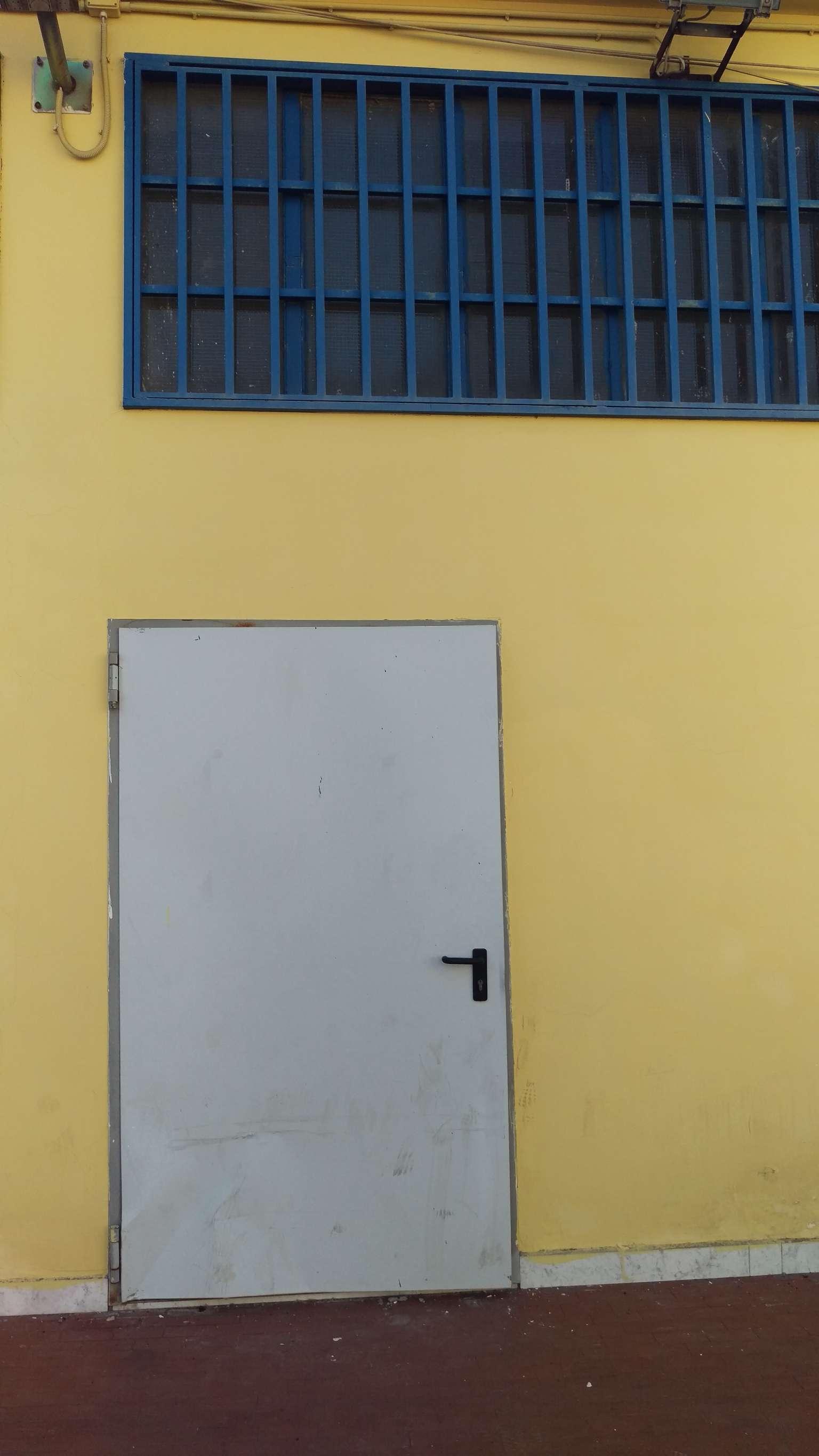 Capannone in affitto a Cercola, 1 locali, prezzo € 1.500 | CambioCasa.it