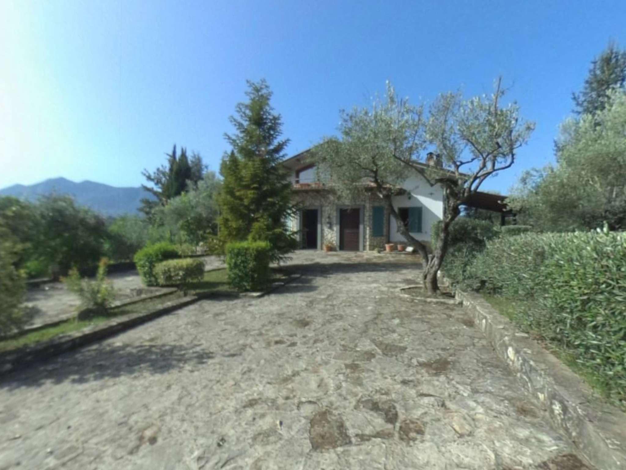 Villa in vendita a Montemiletto, 14 locali, prezzo € 390.000 | CambioCasa.it