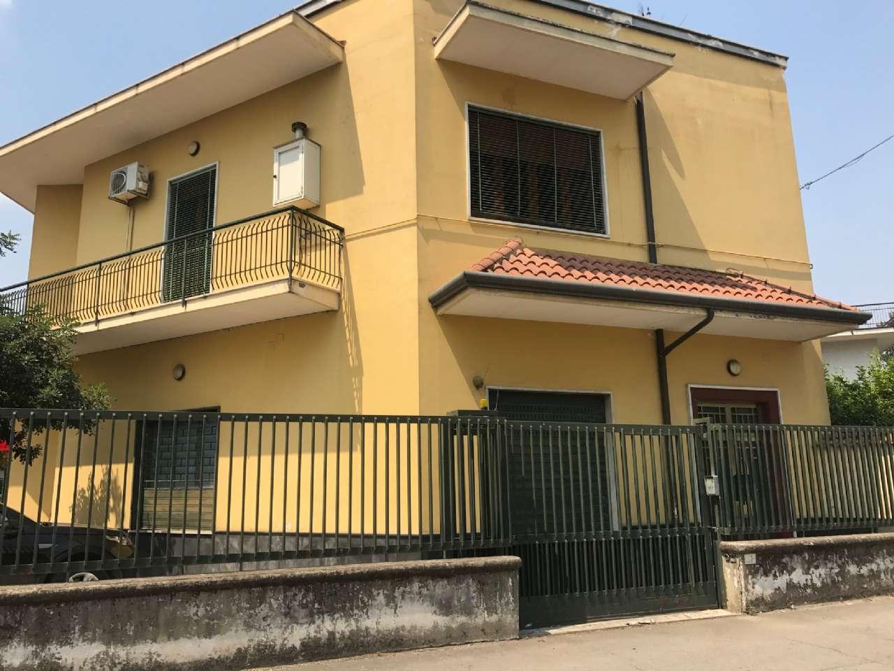 Ufficio / Studio in affitto a Nola, 7 locali, prezzo € 1.000 | CambioCasa.it