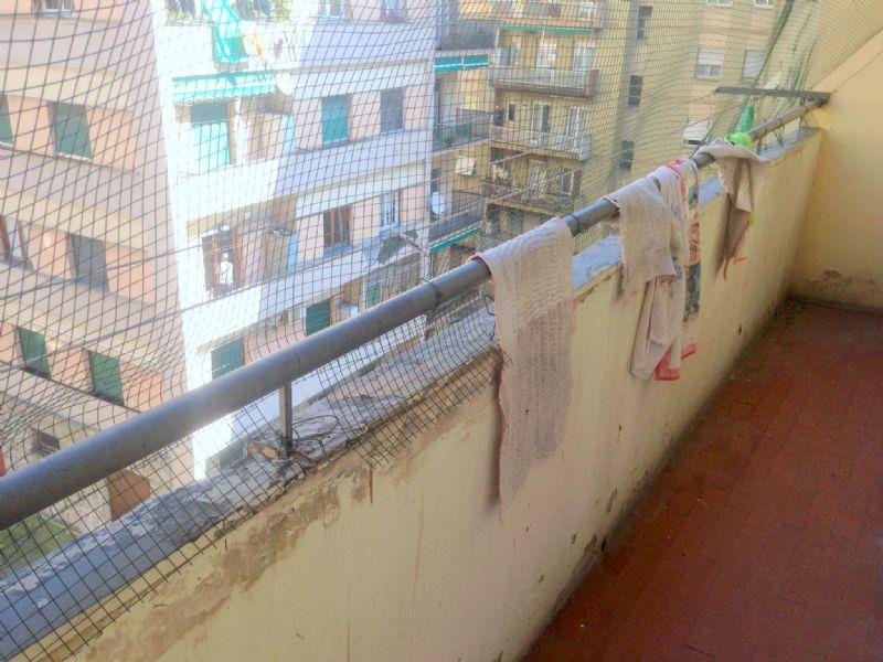 Bilocale Genova Via Vinzoni 8