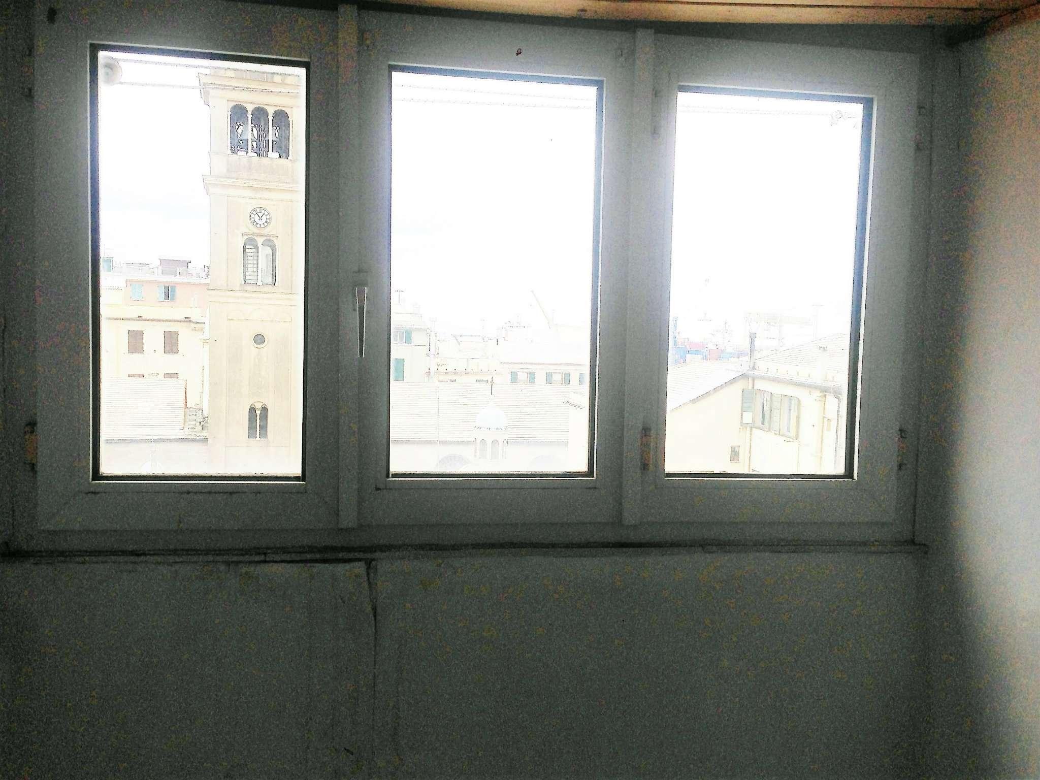 Bilocale Genova Via Buranello 3