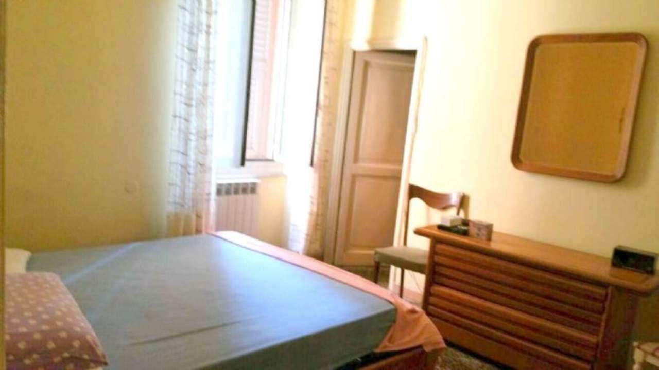 Bilocale Genova Via Vezzani 6