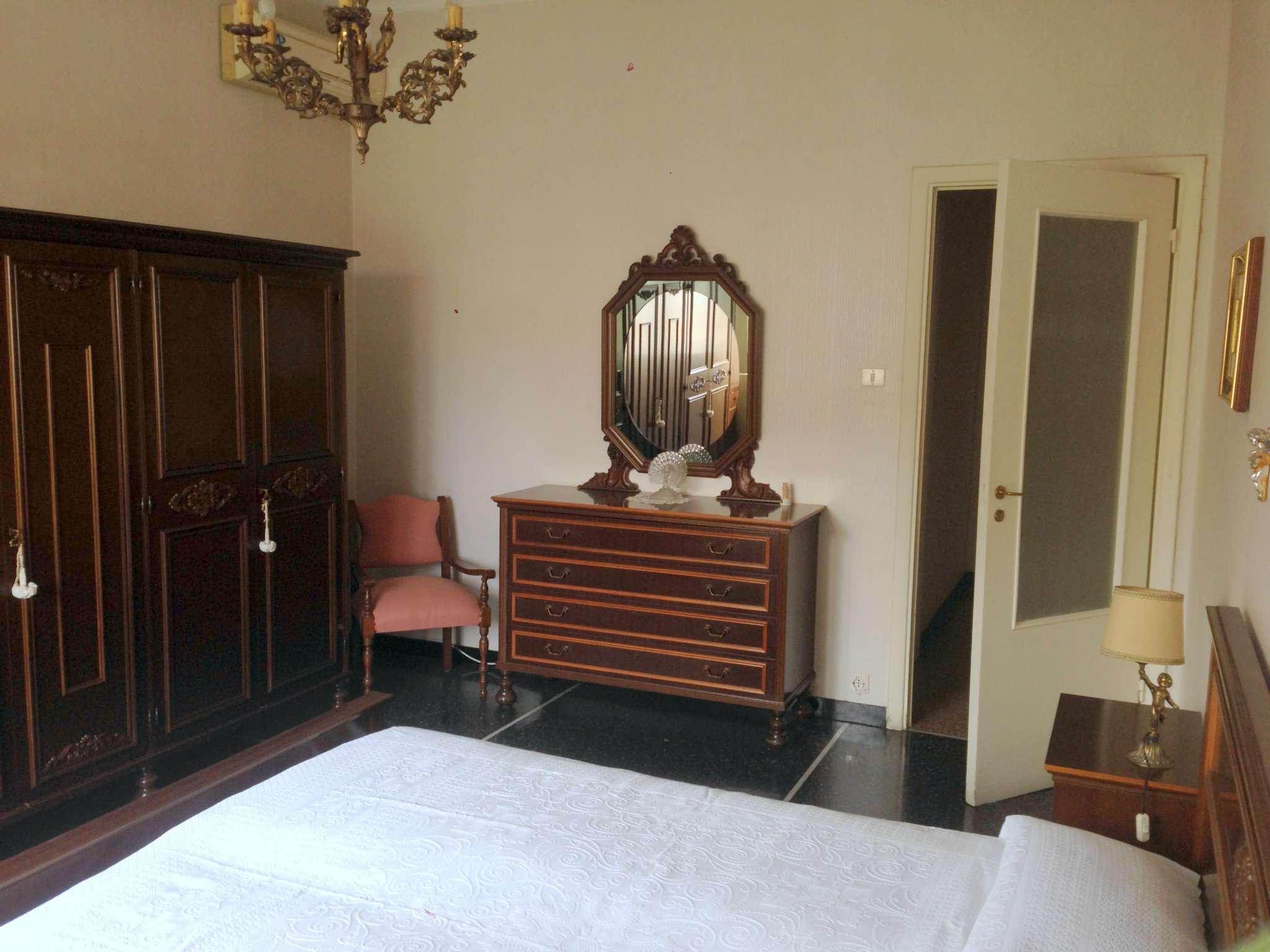 Bilocale Genova Via San B. Del Fossato 10