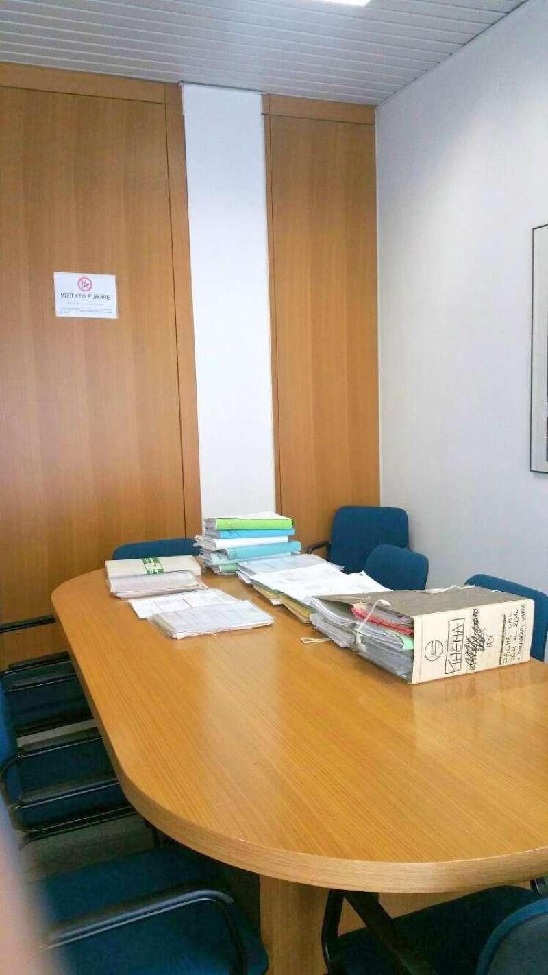 Negozio / Locale in vendita a Genova, 1 locali, zona Zona: 8 . Sampierdarena, Certosa-Rivarolo, Centro Ovest, S.Teodoro, prezzo € 39.000 | CambioCasa.it