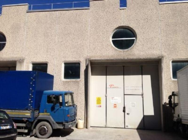 Capannone in affitto a Rapallo, 1 locali, prezzo € 800 | Cambio Casa.it