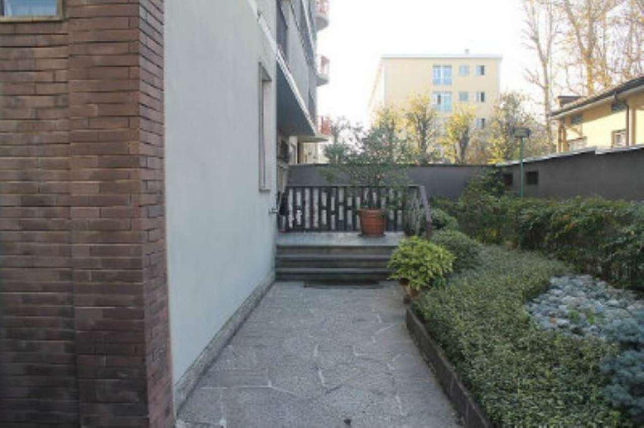 Bilocale Milano Via Civitali 4