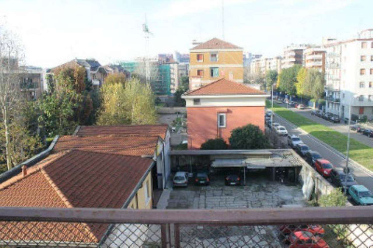 Bilocale Milano Via Civitali 13