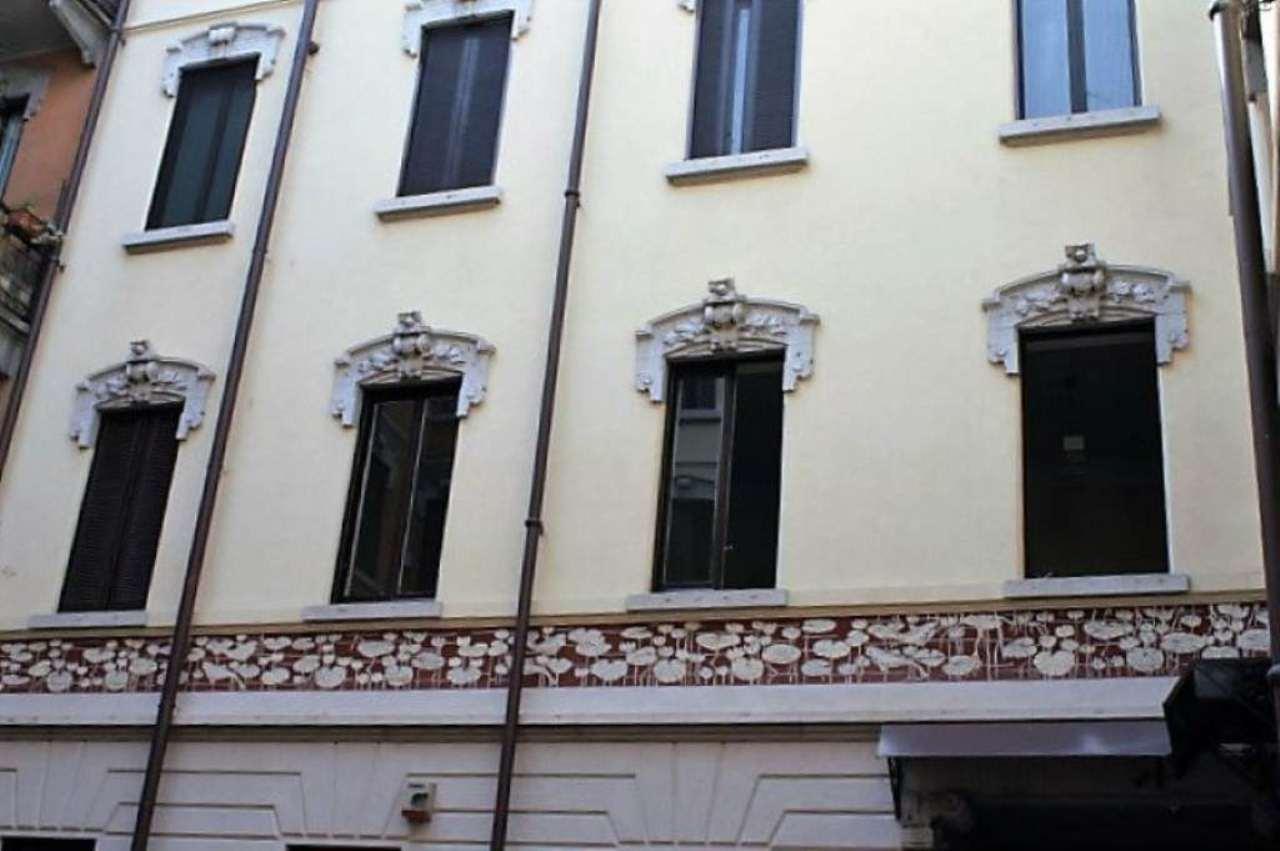 Bilocale Milano Via Via Zenale 1
