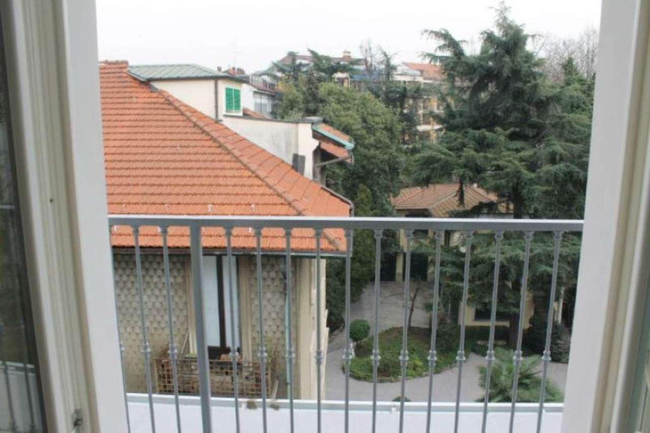 Bilocale Milano Via Scarpa 3