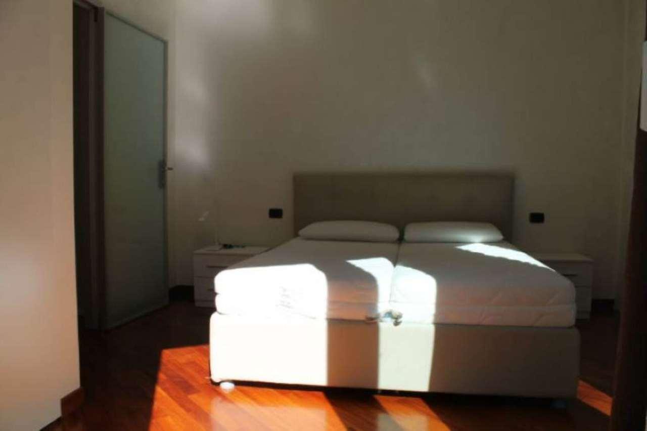 Bilocale Milano Via Santa Lucia 10