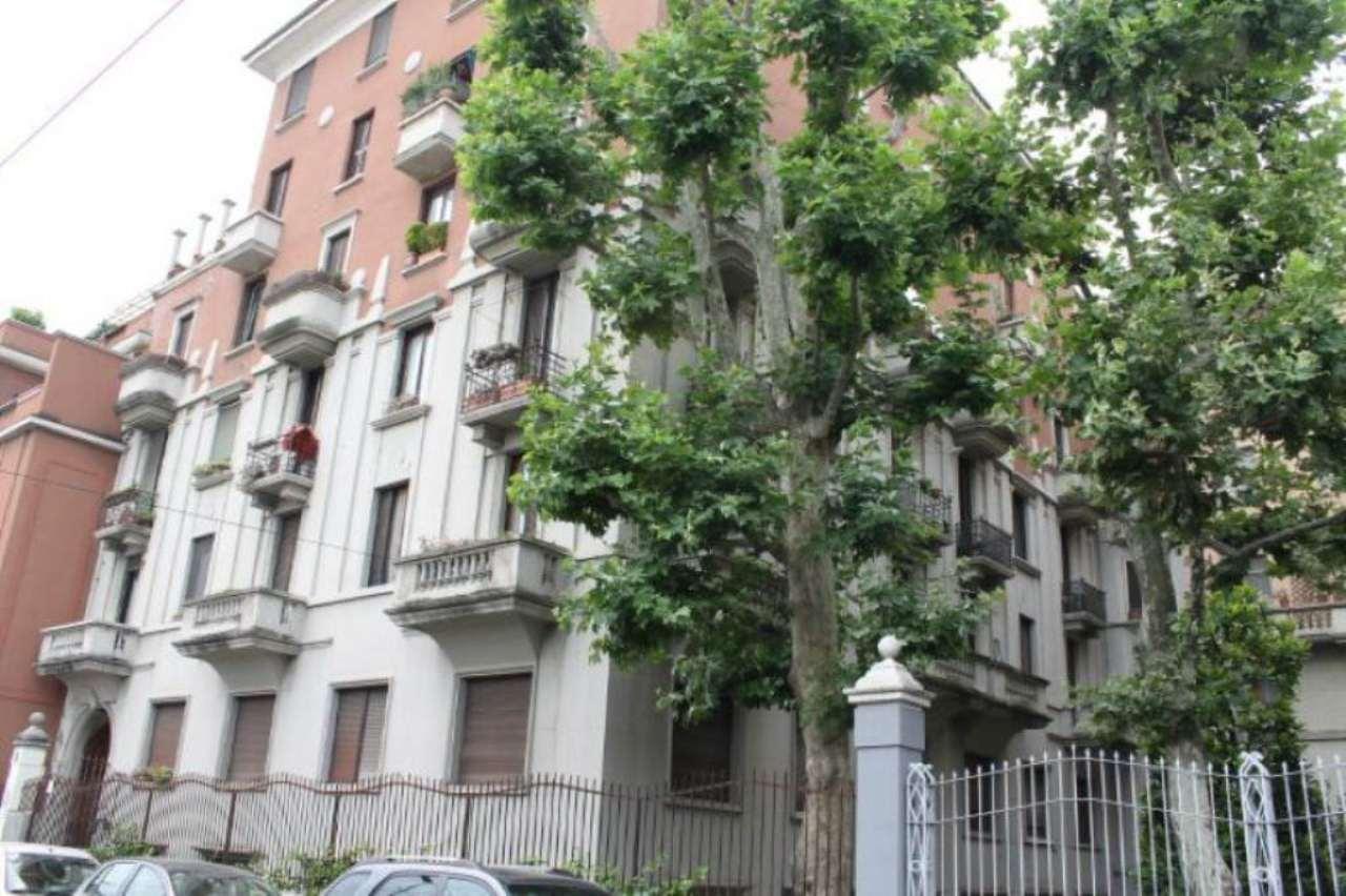 Bilocale Milano Via Monviso 3
