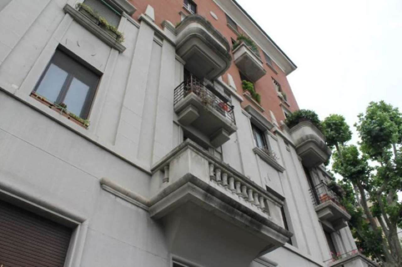 Bilocale Milano Via Monviso 5