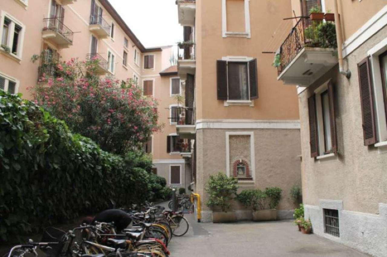 Bilocale Milano Via Monviso 8
