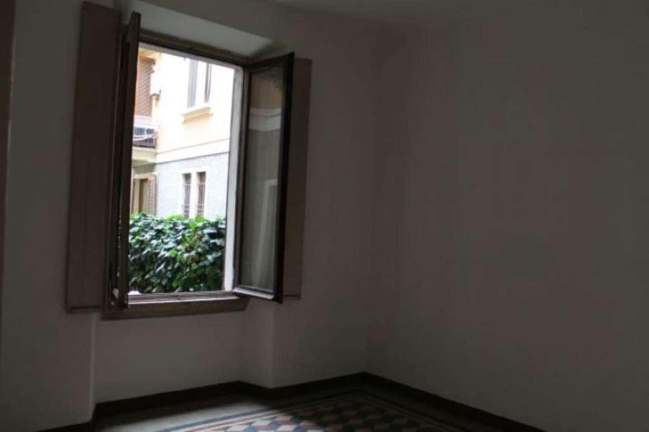 Bilocale Milano Via Monviso 13