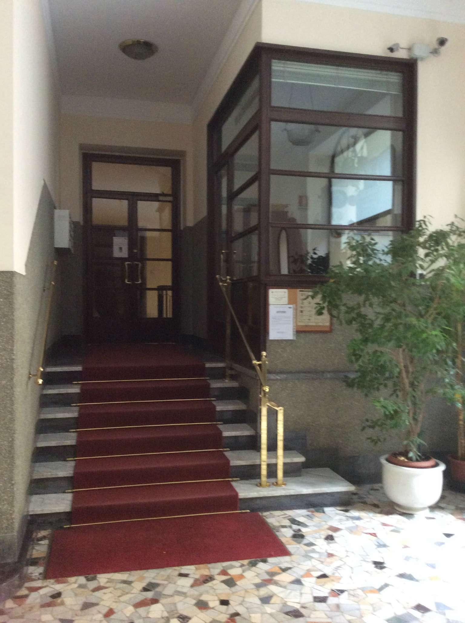 Bilocale Milano Via Motta 3