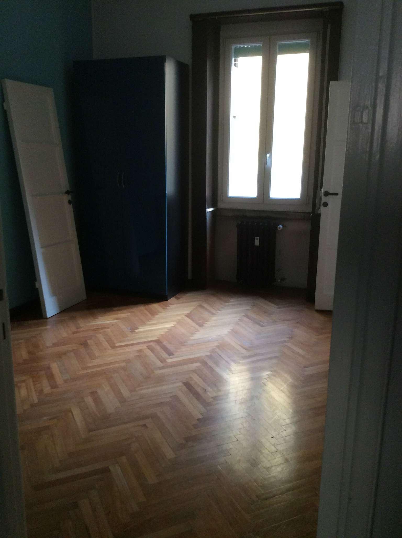 Bilocale Milano Via Motta 6