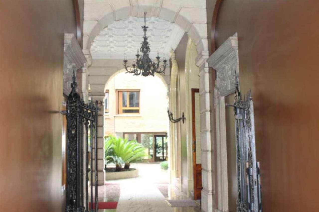 Bilocale Milano Via Via Giovanni Boccaccio 9