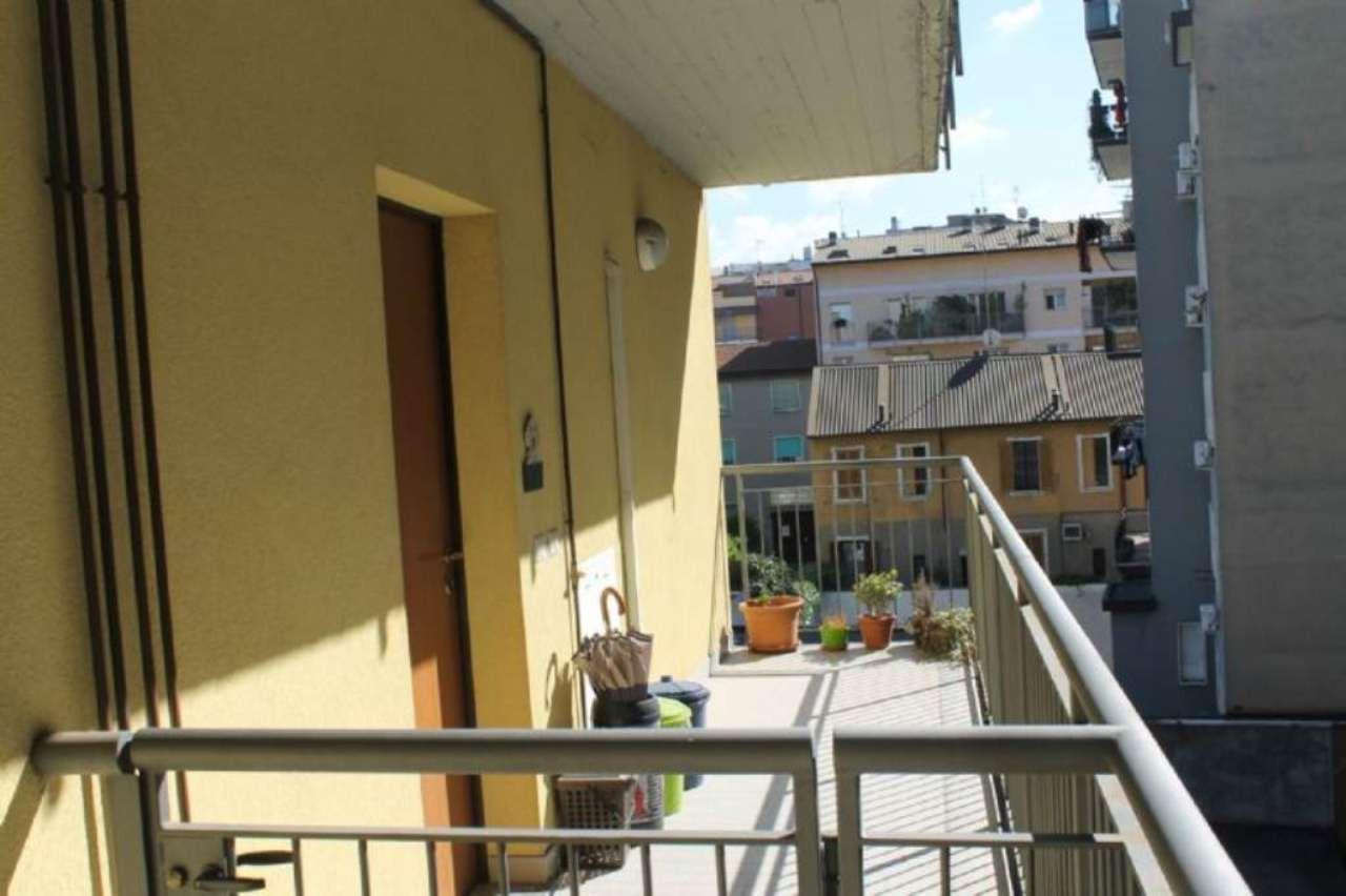 Bilocale Milano Via Pantelleria 2