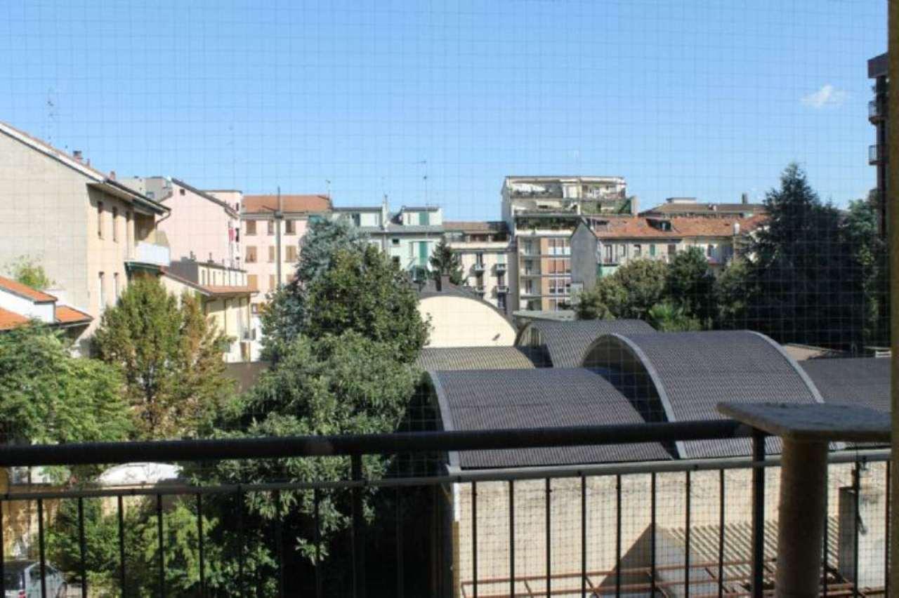 Bilocale Milano Via Pantelleria 6