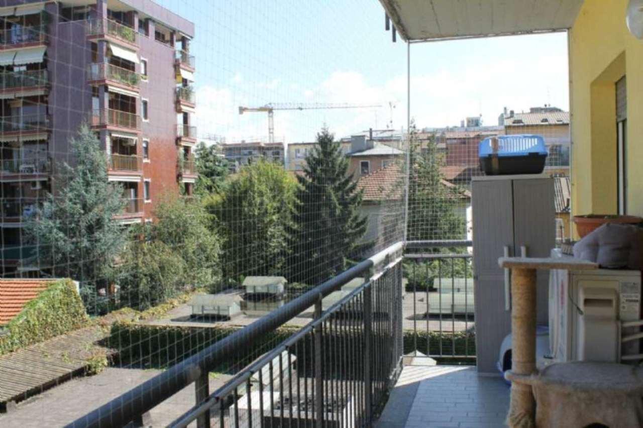 Bilocale Milano Via Pantelleria 7