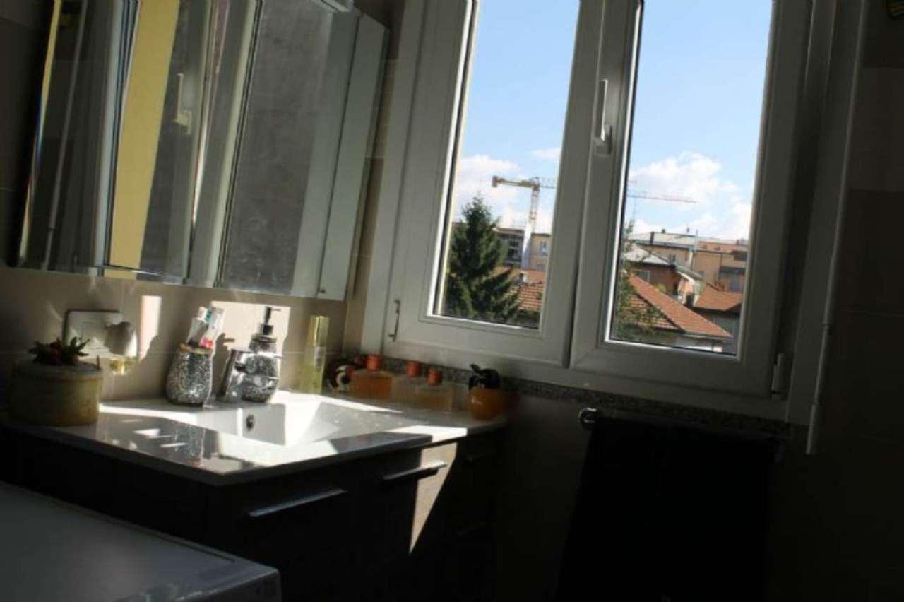 Bilocale Milano Via Pantelleria 12