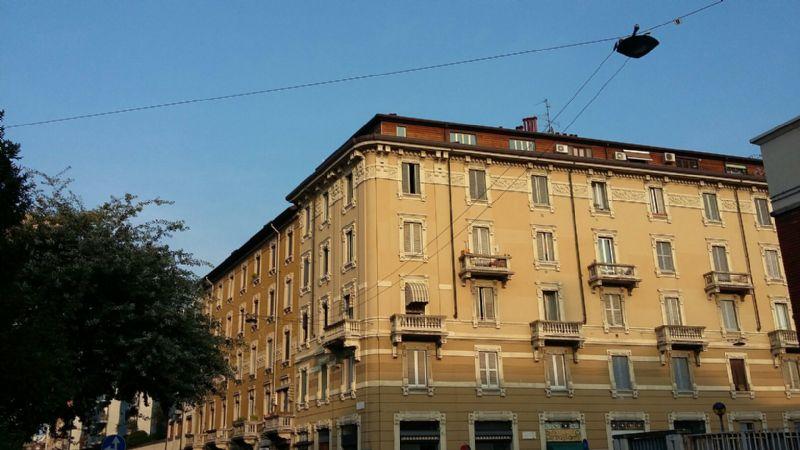 Bilocale Milano Via Coluccio Salutati 1