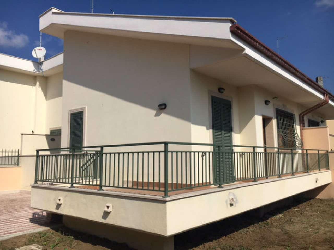 Case indipendenti in vendita a roma in zona selva for Case in vendita roma