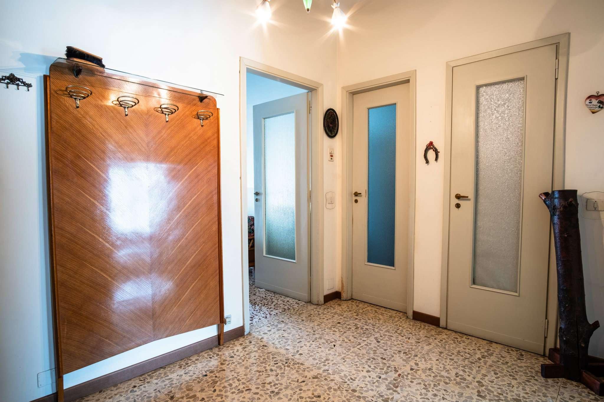 Rivoli Rivoli Vendita APPARTAMENTO >> affittasi casa torino