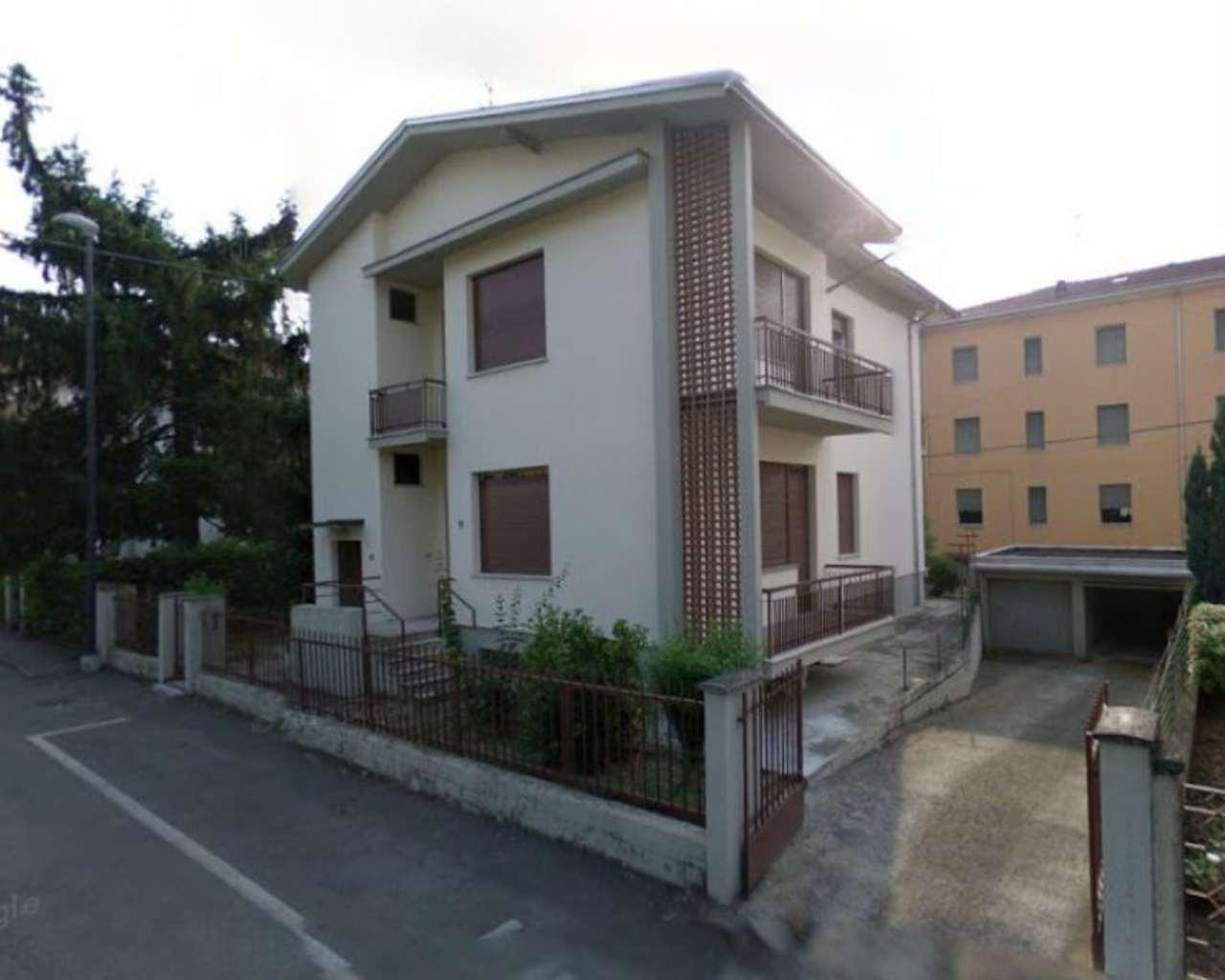 Villa Bifamiliare in vendita a Noceto, 6 locali, prezzo € 269.000 | Cambio Casa.it