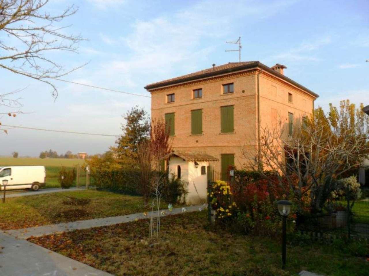 Appartamento in vendita a Noceto, 2 locali, prezzo € 86.000 | Cambio Casa.it
