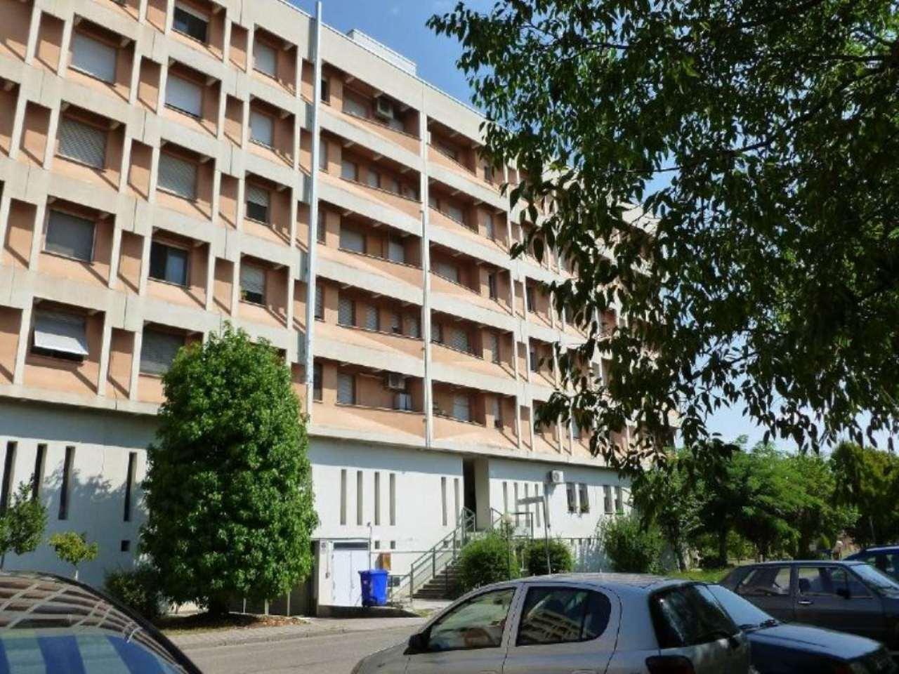 Bilocale Parma Piazza Marie Curie 8