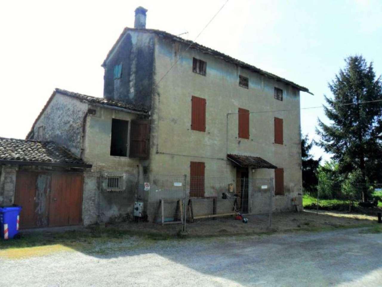 Rustico / Casale in vendita a Noceto, 5 locali, prezzo € 125.000 | Cambio Casa.it