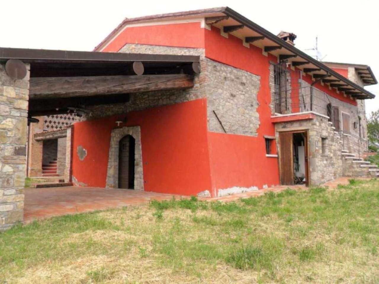 Soluzione Indipendente in vendita a Varano de' Melegari, 5 locali, prezzo € 540.000 | Cambio Casa.it