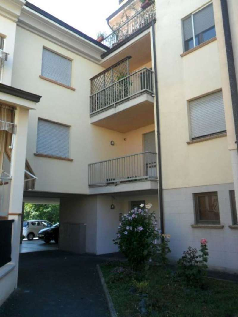 Appartamento in vendita a Varano de' Melegari, 4 locali, prezzo € 150.000 | Cambio Casa.it