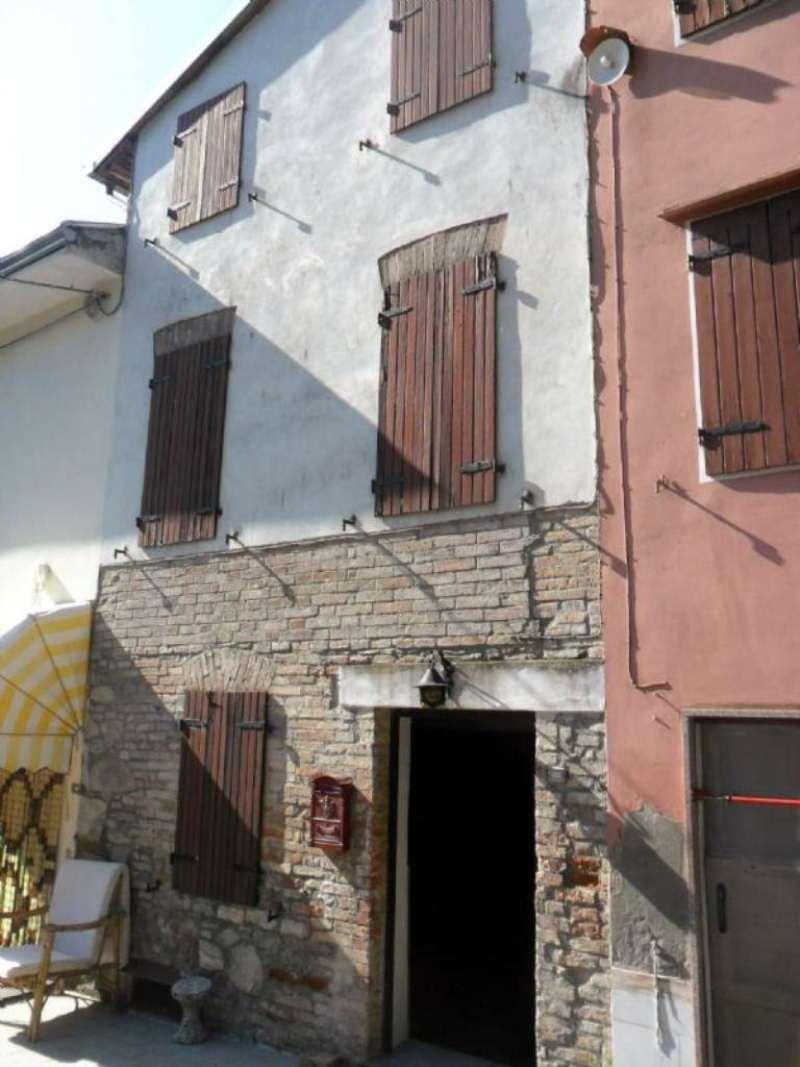 Soluzione Indipendente in vendita a Medesano, 6 locali, prezzo € 80.000 | Cambio Casa.it