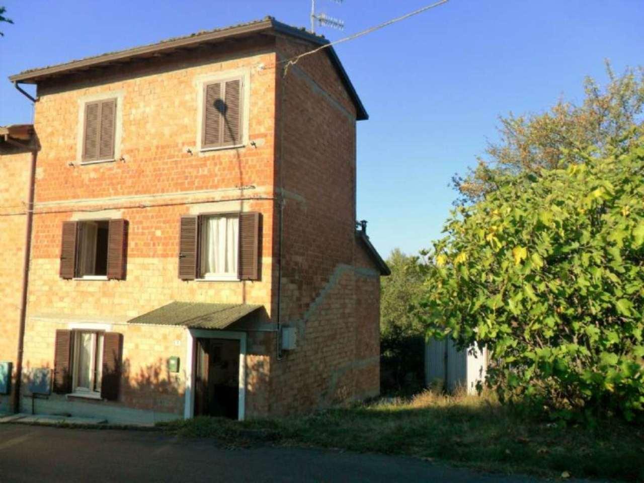 Palazzo / Stabile in vendita a Varano de' Melegari, 3 locali, prezzo € 50.000 | Cambio Casa.it