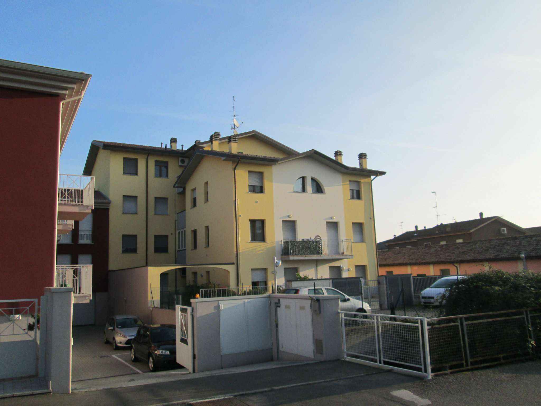 Appartamento in vendita a Medesano, 2 locali, prezzo € 75.000 | Cambio Casa.it