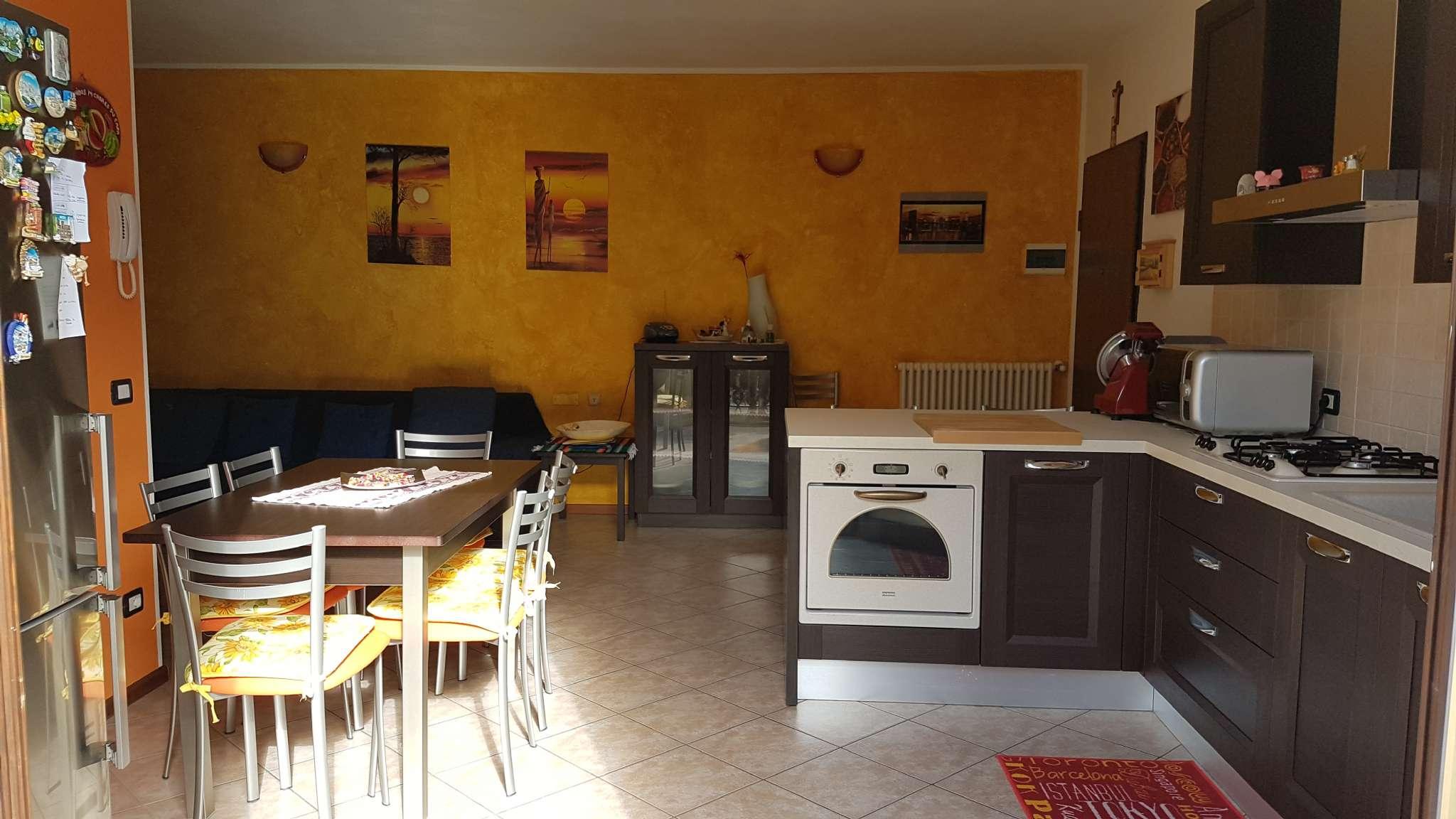Appartamento in vendita a Medesano, 3 locali, prezzo € 110.000 | Cambio Casa.it