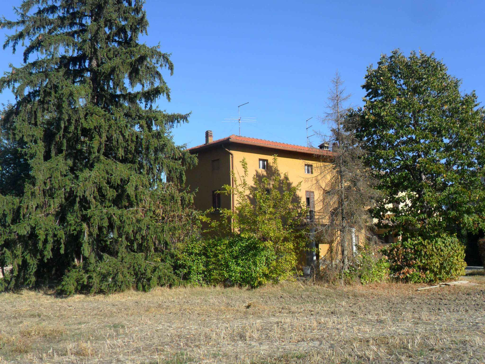 Rustico / Casale in vendita a Noceto, 8 locali, prezzo € 120.000 | Cambio Casa.it