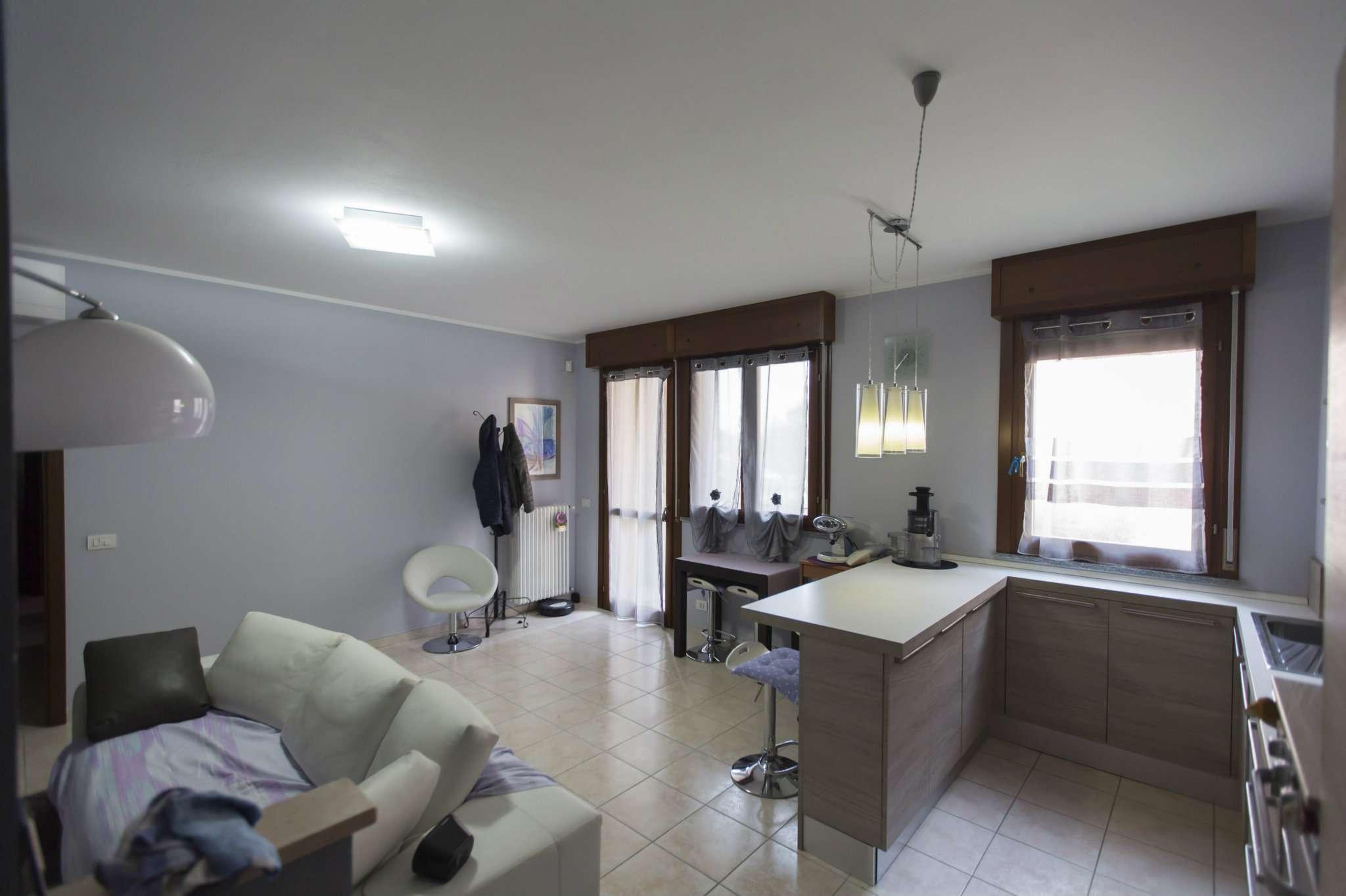 Appartamento in vendita a Noceto, 3 locali, prezzo € 150.000 | Cambio Casa.it