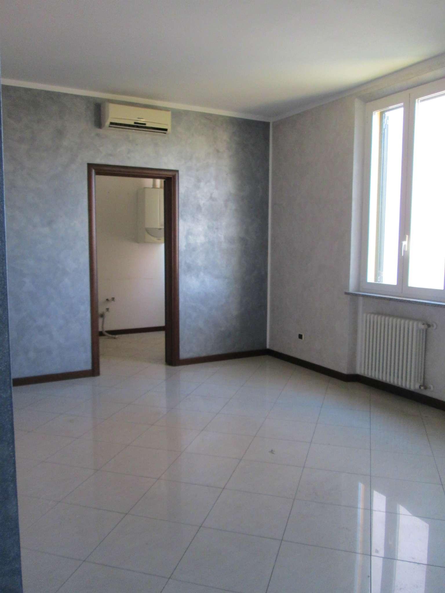 Appartamento in affitto a Fornovo di Taro, 2 locali, prezzo € 450 | Cambio Casa.it
