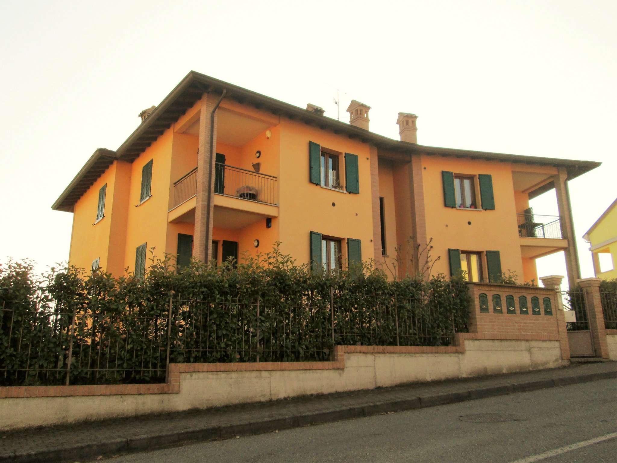 Appartamento in vendita a Varano de' Melegari, 3 locali, prezzo € 158.000 | Cambio Casa.it